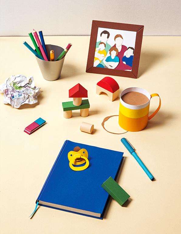 Vaterschaft Papercraft Schreibtisch, Paternity Papercraft desk